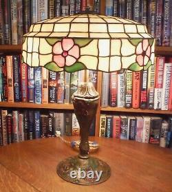 Antique Royal Co Lamp & Lamb Bros & Green Leaded Glass Lamp Shade Chicago Bros