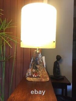 Vintage 1960s Top Quality Kitsch Lucite Aquarium Lamp with Spun Fibreglass Shade