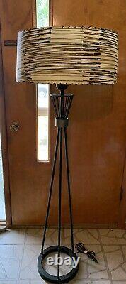 Vintage Mid Century Modern Atomic Floor Lamp With Fiberglass Shade