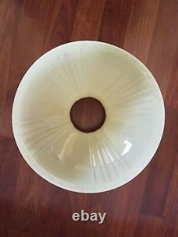 Vtg Aladdin Lincoln Drape Tall Alacite Glass Oil Lamp With Rare Shade Model B